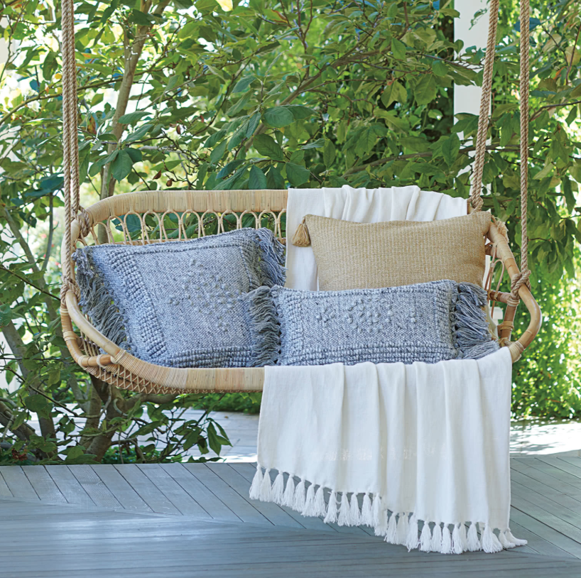 Hanging Chairs To Make Your Space 10x More Comfy | construction2style