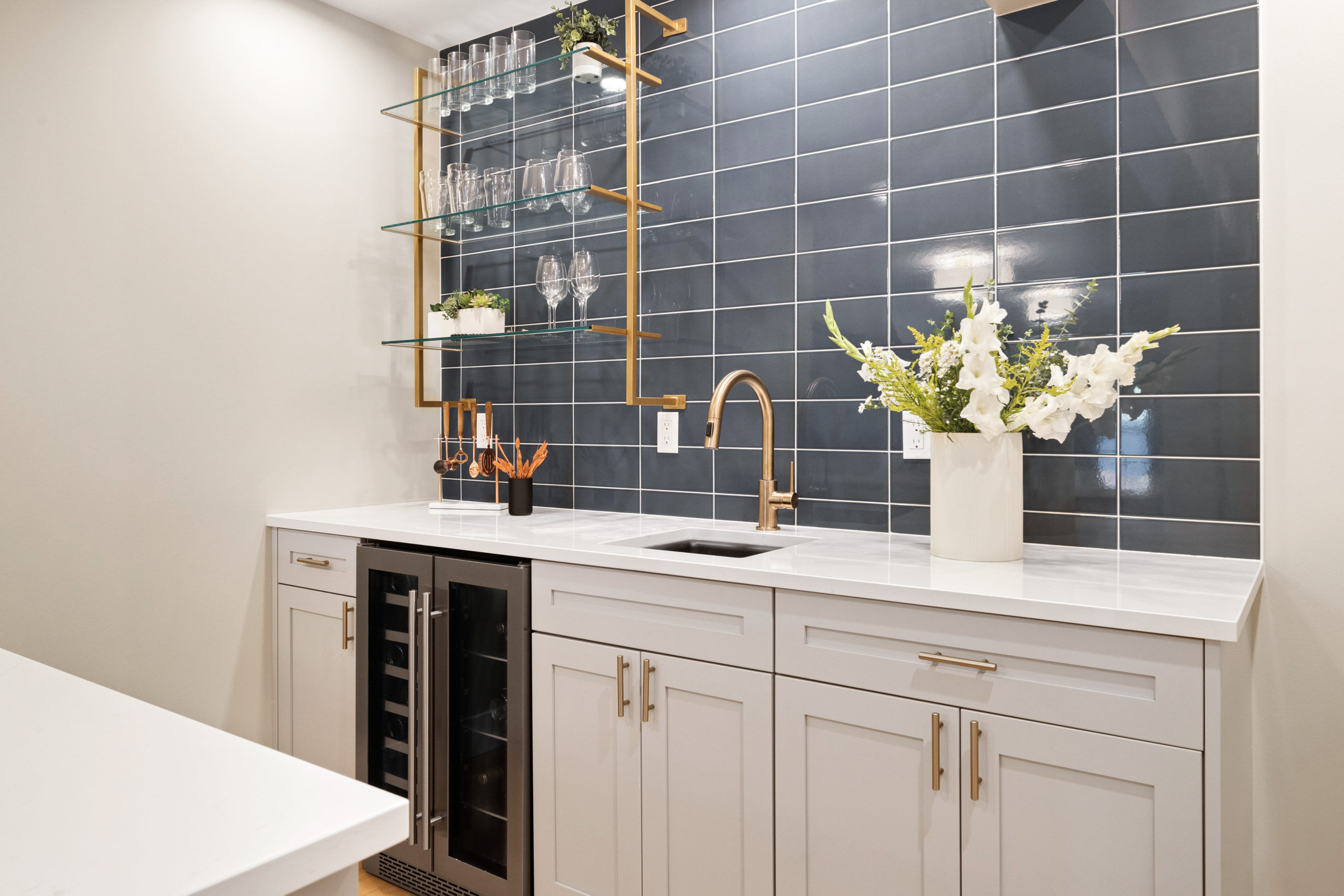12 Different Ways to Lay Subway Tile | Pattern Ideas 5